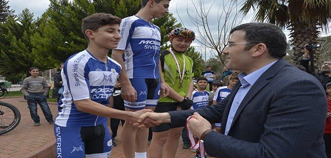 Çanakkale şehitleri anısına bisiklet yarışması düzenlendi