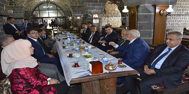 HRÜ Rektörü Çelik'ten Siverek ziyareti