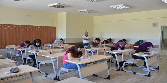 Öğrencilere gerçeği aratmayan TYT-YKS sınavı