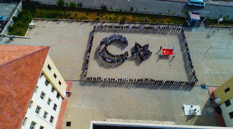 Öğrencilerden Barış Pınarı Harekatı'na koreografili destek