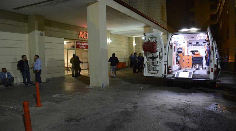 Traktör otomobile çarptı: 1 ölü 1 ağır yaralı