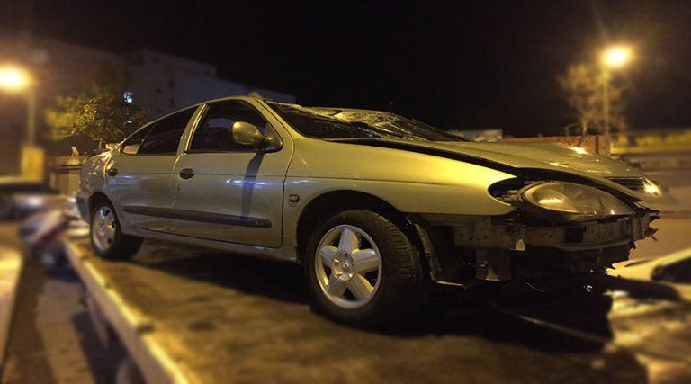 Refüje çıkan otomobildeki 6 kişi yaralandı