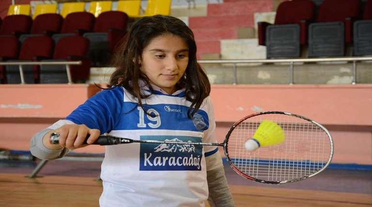 Badminton Milli Takımına seçilmek için ter döküyorlar